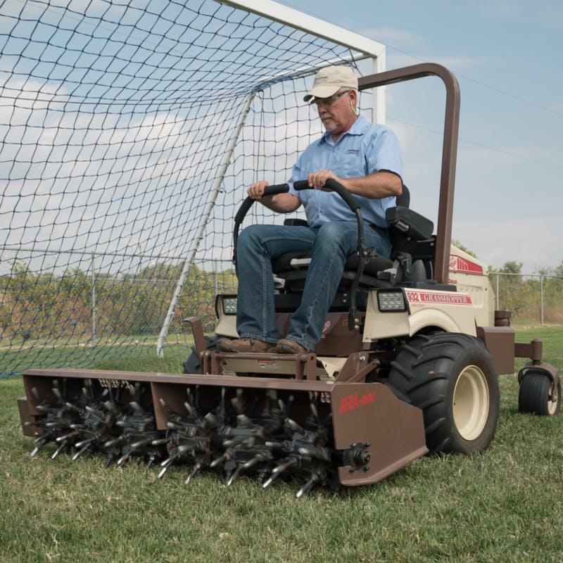900D 1 3L Zero-Turn Diesel Lawn Mower for Sale in Parsons