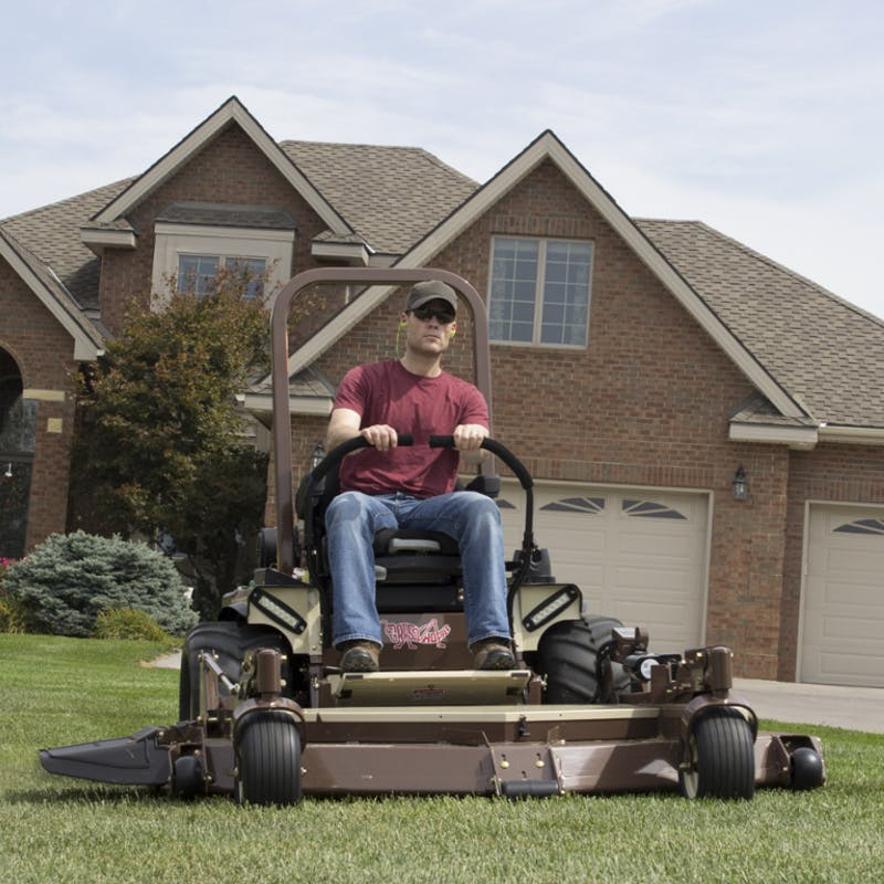 900D 1 3L Zero-Turn Diesel Lawn Mower for Sale in Urbana, OH
