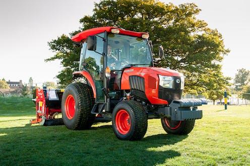 L2602 Kubota compact tractor